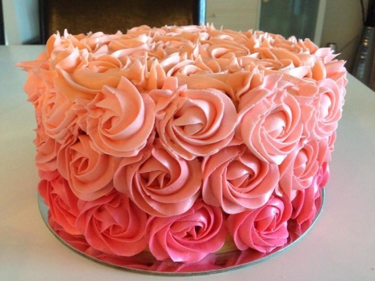 Какой крем приготовить для украшения торта
