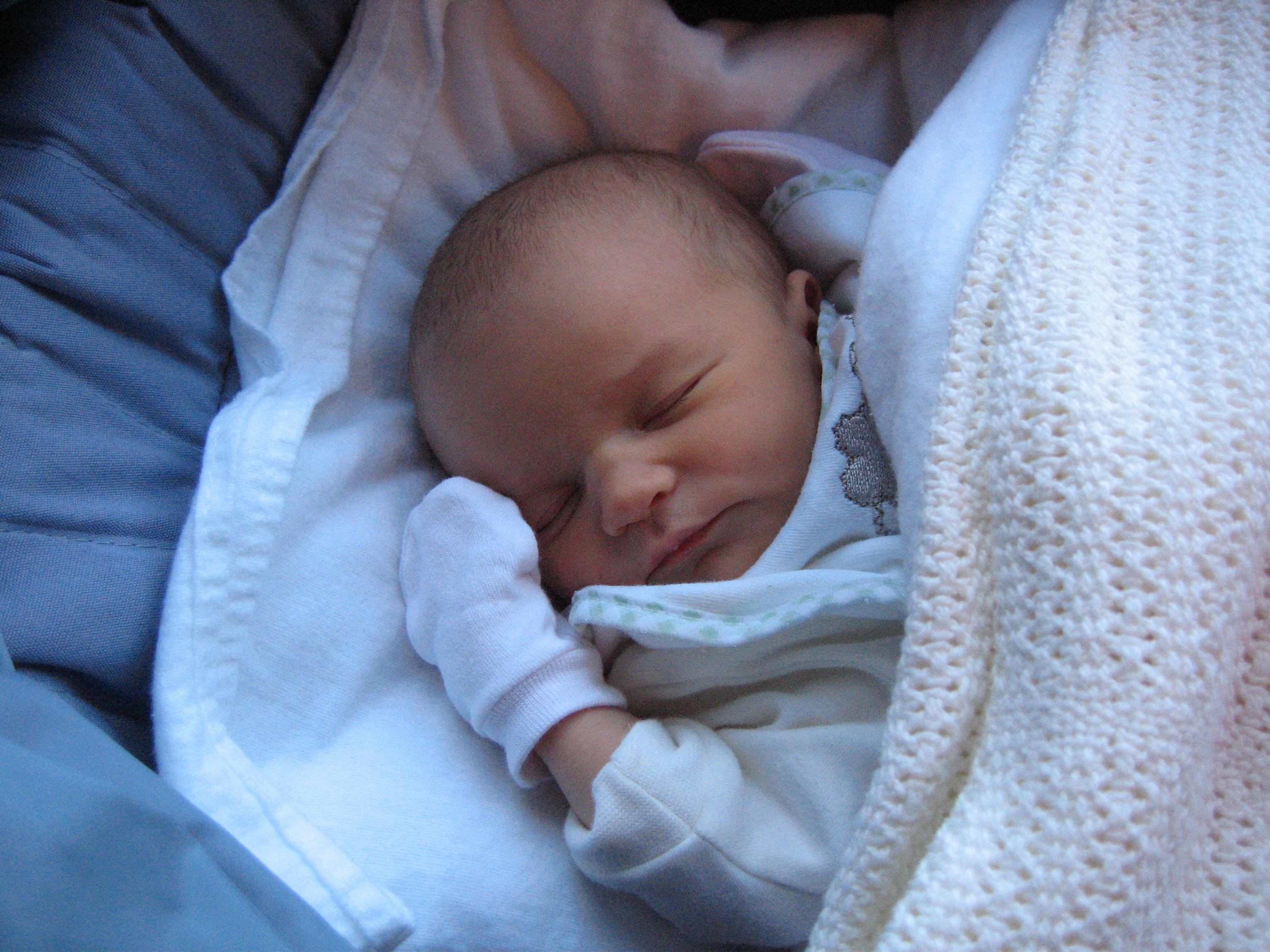 Фото рожденного ребенка девочки