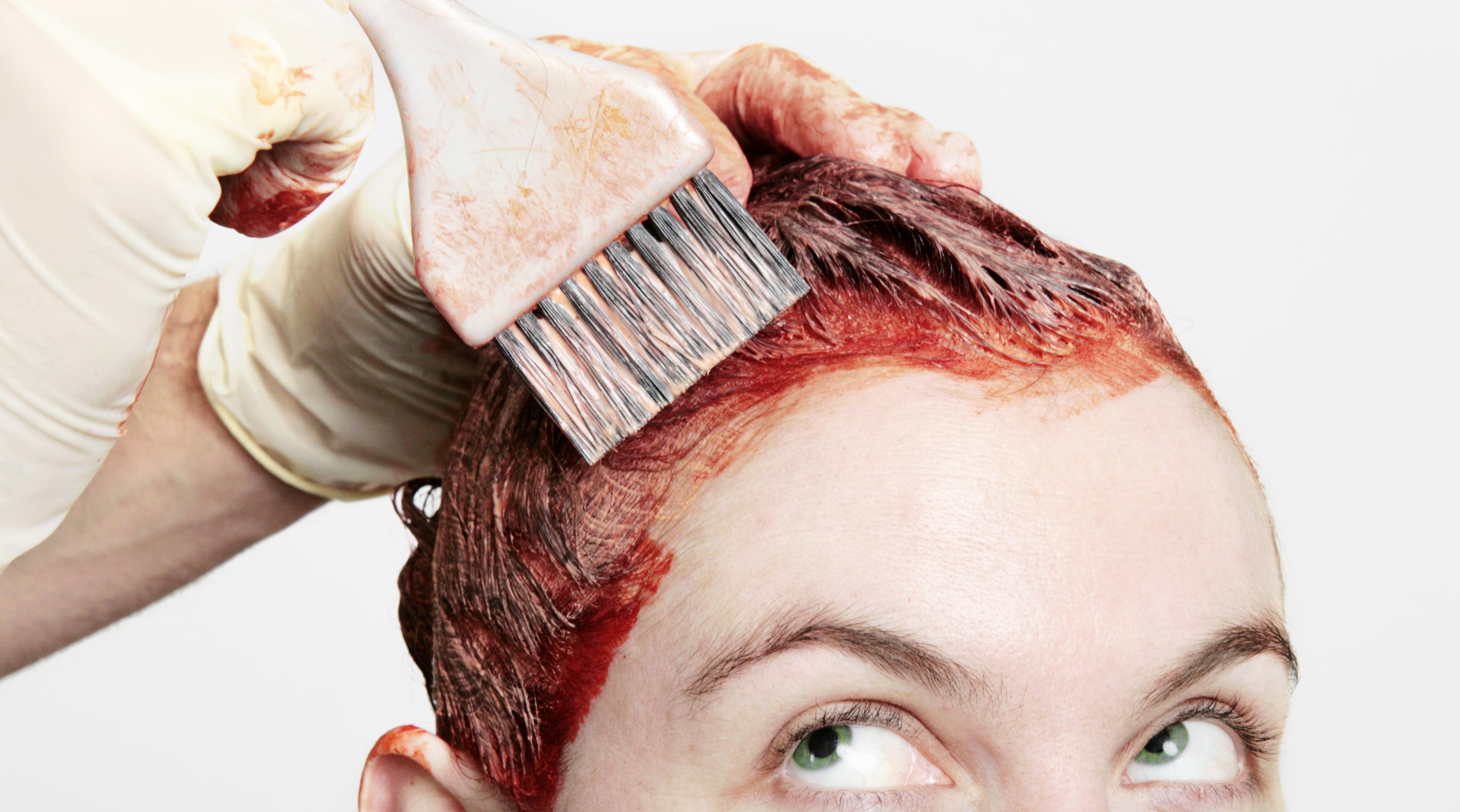 Saç Boyası Ciltten Nasıl Çıkar