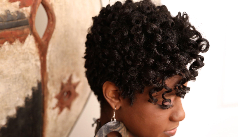 Kıvırcık Saçlara Nasıl Şekil Verilir