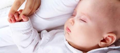 yeni-dogmus-bebekler-uykuda-da-ogreniyor-6575261-466x208