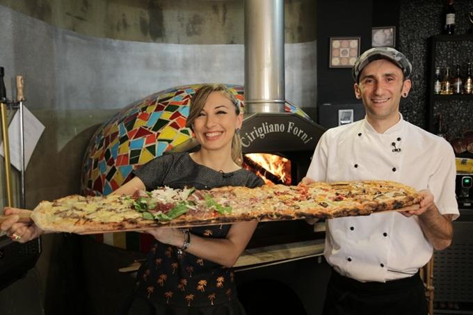 metre-pizza-50f99e2e-1e96-460c-b174-1563d8c3e471
